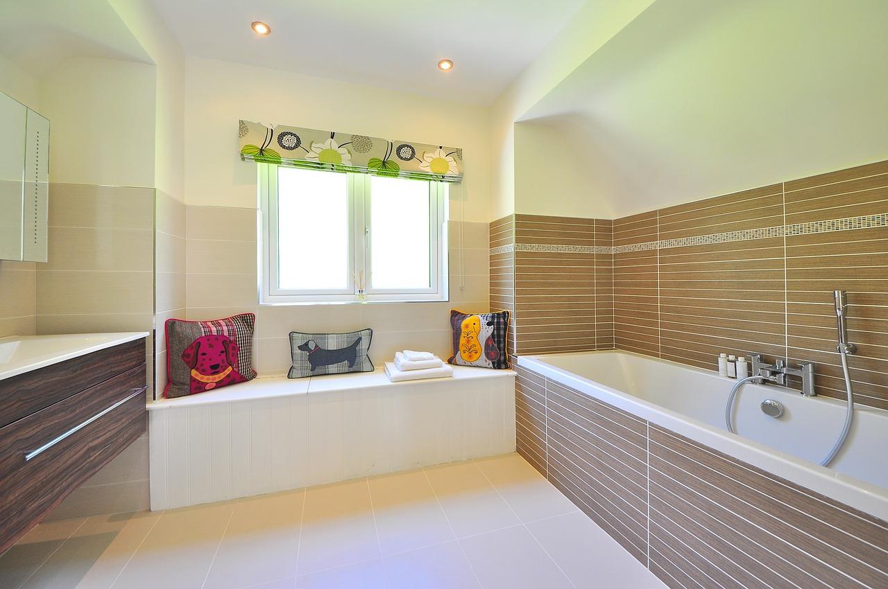 Plafond Speakers Badkamer : Monteer nu ook gemakkelijk je badkamer plafond van kunststof